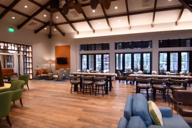 Kayak Club & Hub Café